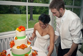 bride and groom cutting cake at Mt. Airy Mansion in Upper Marlboro Maryland