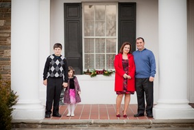 Family portraits at the Glenview Mansion in Rockville MD