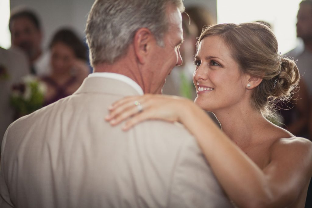 bride-and-father-dance
