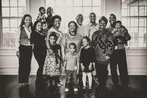 family-reunion-portrait-at-home
