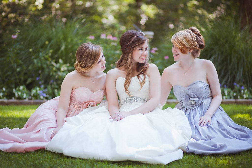 sisters-wedding-photo