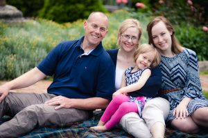 family-portraits-at-national-cathedral-03