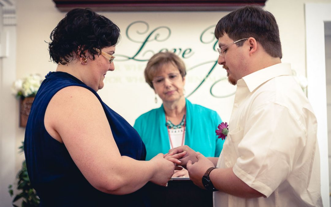 Samantha & Alex's Beautifully Casual Courthouse Wedding in Annapolis