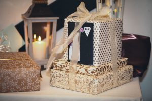 wedding-gift-on-table-petruzzo-photography