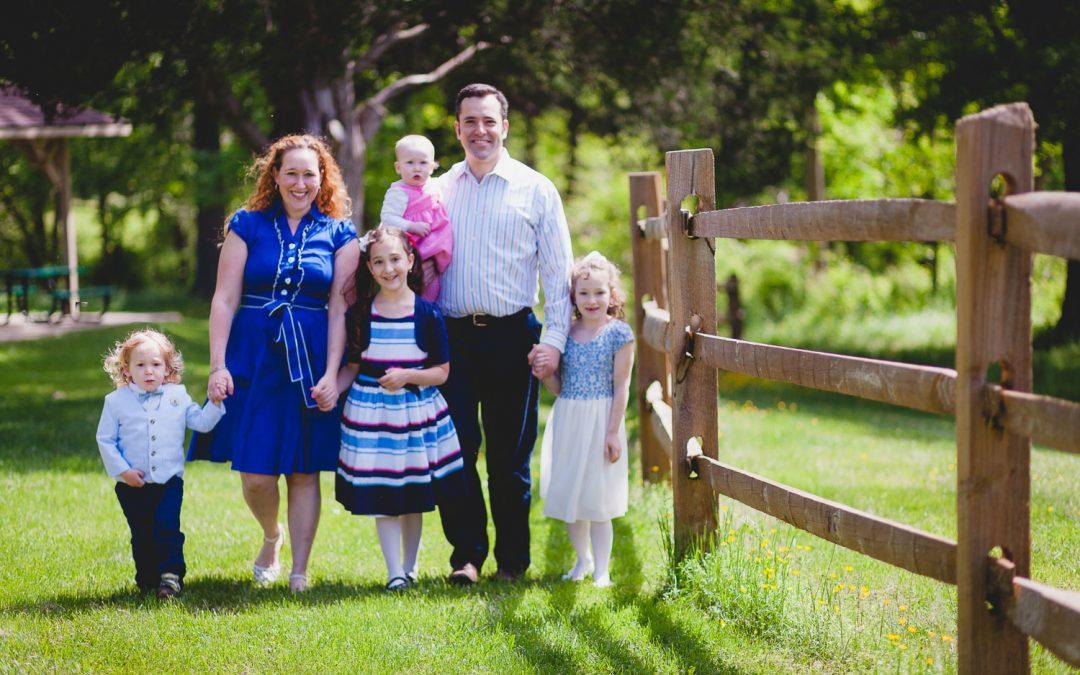 Lovely Family Portraits at Wheaton Regional Park