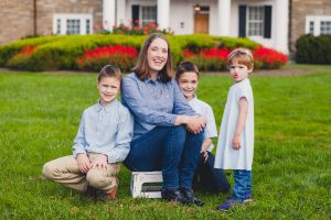 beautiful-family-revisits-the-glenview-mansion-petruzzo-photography-24