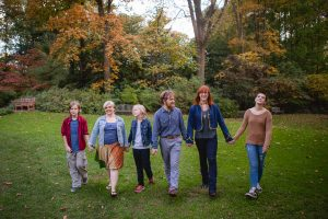 petruzzo-photography-big-family-in-bethesda-maryland-mccrillis-gardens-10