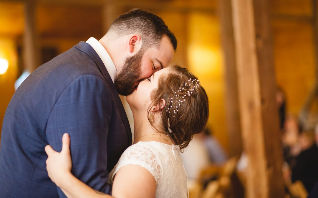 A Bright Wedding on a Dreary Day at Linganore Wines in Frederick, MD