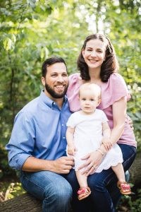 A Multi-Family Portrait Session at Irvine Nature Center in Owings Mills 02