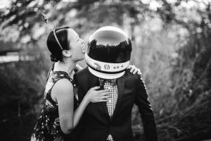 This Couple Had Their Engagement Session on Earth 12